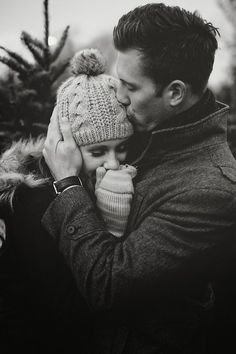 Warm hugs my all time favorite - Paarfotografie - Photo Couple, Couple Photos, Couple Christmas Pictures, Couple Christmas Photos, Sweet Couple Pictures, Christmas Engagement Photos, Shooting Couple, All You Need Is Love, My Love