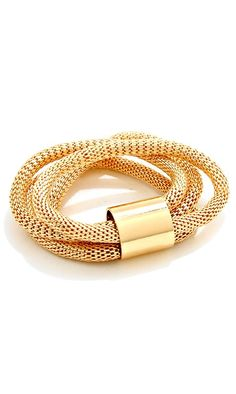 what a great gold bracelet!