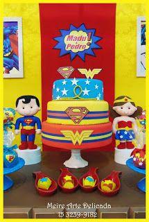 Decoração de festa infantil na mesa Rústica, tema  Super Homem e Mulher Maravilha (Superman and Wonder Woman), realizada na cidade de Sorocaba. Empresa trabalha com temas infantis Clean / Provençal e Rústica.                                                                                                                                                      Mais