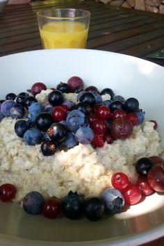Śniadanie na tarasie. Zawartość talerza tak samo ważna jak otoczenie.