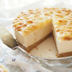 Toffee-omenajuustokakku syksyn juhlahetkiin | Kulinaari Toffee, Takana, Finnish Recipes, Just Eat It, Key Lime, Cheesecakes, Love Food, Bakery, Goodies