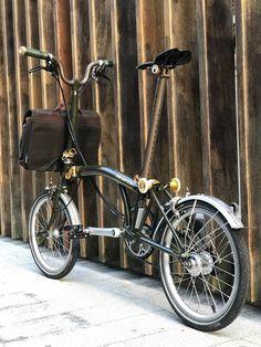 Brompton, Cool Gear, Bike Style, Bicycling, Transportation Design, Touring, Wheels, Motorcycle, Mens Fashion