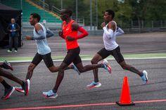 Athletes wear custom-engineered Nike trainers in attempt to break two-hour  marathon barrier (Dezeen) de865eda6