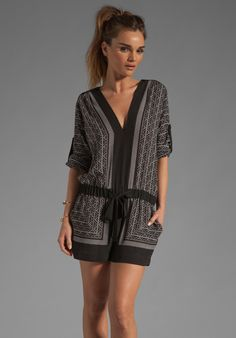 BCBGMAXAZRIA Short Romper in Black Combo