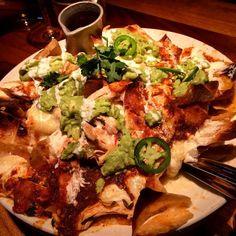 These are mine NACHOS #glutenfree #gf #glutenfreeeeeats #gfree #glutenfreefollowme #glutenfreelife #nobread # #chicagofoodauthority #chicagofood #chicagofoodanddrink #chicagolunch #hungrygrls #hungrybetches #spoonfeed #spoonnu #putaforkinit #nachos #infatuationchi #eeeeeats by glutenfreeeak