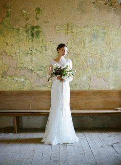 Delicate Vintage Wedding Ideas - by Heather Hawkins