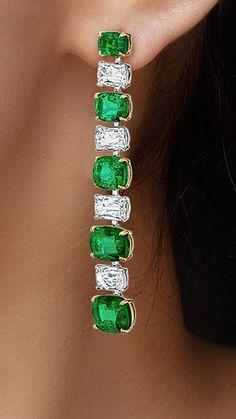 Diamond Ice, Anarkali Dress, Bangles, Bracelets, Emeralds, Cute Earrings, Fashion Earrings, Cartier, Diamonds