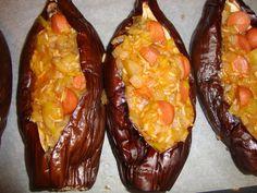Bucataria cu noroc - Vinete umplute cu carnaciori Noroc, Baked Potato, Cooking Recipes, Potatoes, Stuffed Peppers, Baking, Vegetables, Ethnic Recipes, Bakken