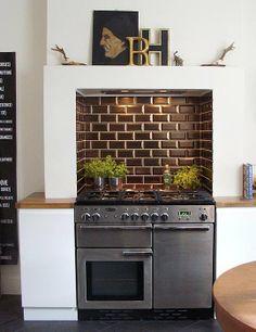 Kitchen cooker in chimney breast Shabby Chic Kitchen, Home Decor Kitchen, Kitchen Interior, New Kitchen, Home Kitchens, Kitchen Dining, Ovens In Kitchens, Kitchen Oven, Boho Kitchen