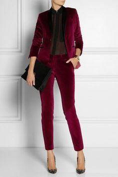 EACH X OTHER Satin-trimmed velvet tuxedo pants - this would make a super chic NYE outfit! Business Outfit Damen, Tuxedo Pants, Tuxedo Suit, Tuxedo Jacket, Business Mode, Velvet Fashion, Looks Style, Work Attire, Mode Style