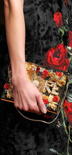 Dolce & Gabbana Fall 2015 RTW ♔ detail ♔THD♔ More of this collection on my Milan Fall 2015 Board.