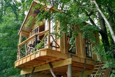 8. Whispering Wind Treehouse - Argyle