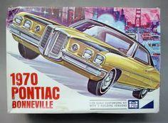 MPC - 1970 Pontiac Bonneville model kit.