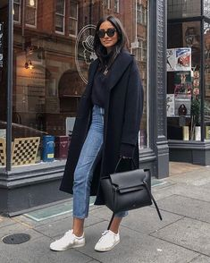 18 Stylish Autumn Winter Outfits Simple And Easy, autumn winter outfits casual, autumn winter outfits work, autumn winter outfits autumn winter outfits minimal classic,. Winter Fashion Outfits, Fall Winter Outfits, Autumn Winter Fashion, New York Winter Outfit, New York Winter Fashion, Jeans Outfit Winter, Winter Ootd, Sneakers Fashion Outfits, Winter Chic