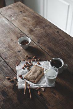 clean apple cinnamon pop tarts (grain / gluten / dairy / sugar-free)