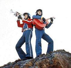 Ichiro (trumpet) and Jiro (guitar)