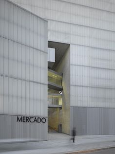 Nieto Sobejano Arquitectos — Barceló Market, Library and Sports Hall