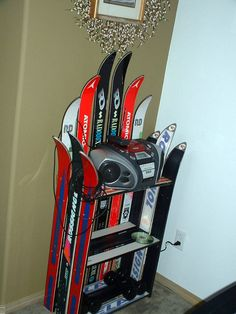 Small bookshelf from old skis