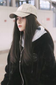 Ulzzang Fashion, Kpop Fashion, Ulzzang Girl, Korean Fashion, Aesthetic Girl, Aesthetic Clothes, Cute Asian Girls, Cute Girls, Beautiful Chinese Girl