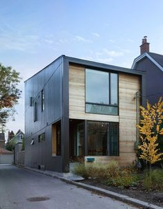 Inventive and Clean Atmosphere in the Garden House in Canada