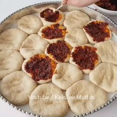 🎥 It& so soft, so delicious, it really tastes . Muffin Recipes, Bread Recipes, No Cook Meals, Kids Meals, Party Fotos, Turkish Recipes, Ethnic Recipes, Juicer Recipes, Breakfast Items