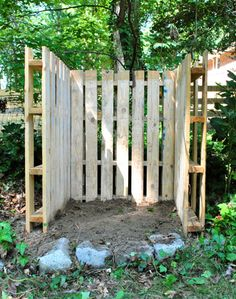 Pallets helped in this case by creating a natural deposit area that will perfectly blend into the backyard environment. Both strong and natural these wooden pallets are perfect for any kind of outdoor activity, including a compost bin.{found on younghouselove}.