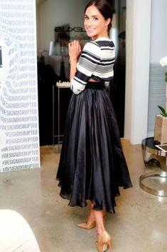 Meghan Markle Style Narrative Styling DC Stylist Lana Jackson DC Blogger #NarrartiveStyleOutfits Black Pleated Midi Skirt Women's Fashion Women's Style Work Outfits Royal Wedding Work Outfits Women Work Outfits Women's Fashion Work Her Royal Highness Princess Meghan Duchess of Sussex Celeb Style #MeghanMarkle #PleatedSkirt #Affiliate #BlackSkirt #MidiSkirt #Affiliate #BritishRoyalFamily #Royals #RoyalWedding #DuchessofSussex #Royals #PrincessMeghan