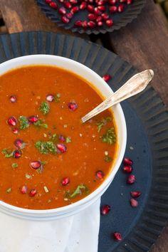 Geröstete Paprika Möhren Suppe. Rauchig, cremig, unverschämt gut - kochkarussell.com