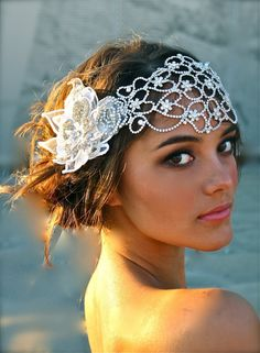 Bridesmaids often wore caps to match the color of their wedding dresses. Today's brides can wear a veil attached to her white Juliet cap to accomplish the vintage wedding hairstyles. Beach Wedding Hair, Vintage Wedding Hair, Wedding Veils, Dream Wedding, Wedding Day, Vintage Bridal, 1920s Wedding, Wedding Headband, Vintage Hair