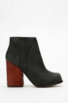 Jeffrey Campbell Hanger Heeled Ankle Boot #urbanoutfitters jeffrey campbel, heel ankl, fashion, campbel hanger, ankle boots, ankl boot, hangers, jeffreycampbel, shoe