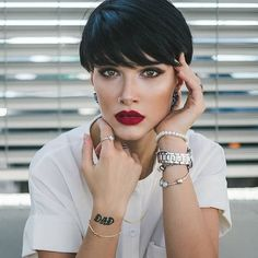 Best Short Pixie Haircut And Color Design For Cool Woman - Page 6 of 71 - Latest Fashion Trends For Woman Short Pixie Haircuts, Pixie Hairstyles, Cool Hairstyles, Short Human Hair Wigs, Peinados Pin Up, Haircut And Color, Trending Haircuts, Short Hair Cuts For Women, Hair Looks