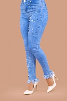 Paçası Püsküllü İnci Detay Kot Pantolon Açık Kot Ürün kodu: ARG193 --> 59.90 TL