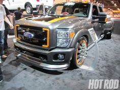 hrdp_1011w_05_o-fords_cool_cars_from_the_2010_SEMA_show-2011_ford_f350_super_duty.jpg (1600×1200)