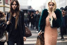 This looks like an ad. ^_^  (Freja and Abbey Lee)