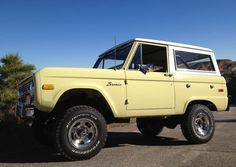 1976 Ford Bronco Ranger - Fully Restored with original factory Glen Green paint, Fuel Injected inch suspension lift, 1 Inch body lift, Mid Aluminum slot wheels with BFG tires. Classic Ford Broncos, Classic Bronco, Classic Trucks, Custom Classic Cars, Pretty Cars, Cute Cars, Diesel Trucks, Ford Trucks, Pickup Trucks