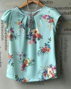 Work Tops, Nice Tops, Blouse Styles, Blouse Designs, Top Chic, Beautiful Blouses, Sewing Clothes, Blouses For Women, Dame