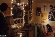 Perks of Being a Wallflower - Sam's bedroom The Smiths, Aesthetic Room Decor, Book Aesthetic, Roomspiration, Awesome Bedrooms, Coolest Bedrooms, Coming Of Age, My New Room, Dream Bedroom