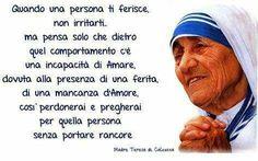 penso a mia figlia che spesso non comprendo Touching Stories, Mother Teresa, Believe In You, Feel Good, Dreaming Of You, Prayers, Wisdom, Mamma, Gandhi