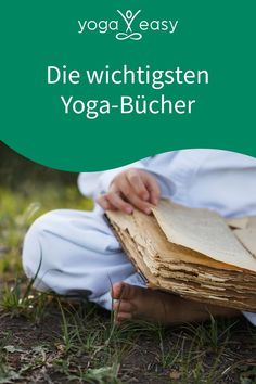 Hier kommt sie, unsere ultimative Yoga-Buch-Liste – vom traditionsreichen Klassiker bis zum Yoga-Krimi: Diese Bücher sollte jeder Vollblut-Yogi kennen. Yoga Inspiration, Yin Yoga, Pilates, Facial, Personal Care, Sports, Yoga Images, Reading, Thoroughbred