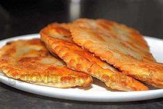 Традиционное советское блюдо, которое по-прежнему остается очень популярным. Причина - прекрасный вкус мясных жареных чебуреков.