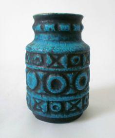 http://www.ebay.de/itm/60s-70s-Bay-Keramik-Vase-Bodo-Mans-ceramic-west-german-fat-lava-pottery/151127486835?_trksid=p2047675.c100005.m1851