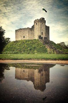 """breathtakingdestinations: """"Cardiff Castle - Wales (by Ronan Shenhav) """""""