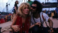 Sally Mann (who was fiancee of Spencer Dryden of Jefferson Airplane and, five months later Sally & Spencer were married) and photographer Jim Marshall at Woodstock. 1969 Woodstock, Woodstock Hippies, Woodstock Festival, Woodstock Music, Rare Photos, Vintage Photos, Cool Photos, Amazing Photos, Lady Bob