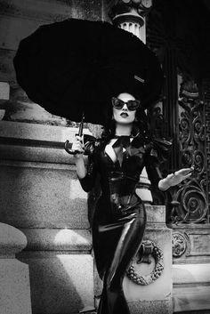 Black & White photos of Pinups, Vintage & Gothic