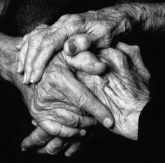 take photos of those old hands, of those that mean the world to you Old Hands, Hold My Hand, End Of Life, Wise Women, Strong Women, Foto Art, Helping Hands, Hospice, Older Women