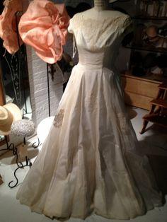 1950s/60s Wedding Dress by MinaLucinda on Etsy, $80.00