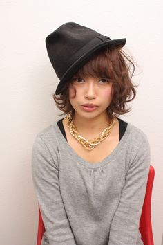 【girl of the big hat】