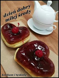 Gify i Obrazki: MILEJ ŚRODY Pudding, Breakfast, Desserts, Morning Coffee, Tailgate Desserts, Deserts, Custard Pudding, Puddings, Postres