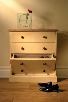 Mottisfont Painted Small Shoe Rack (Blue, Pine, Painted Pine Small Shoe Rack - Mottisfont MSH1 A made to order Painted Pine shoe rack shown here in our cream finish but also available in off white, blue or green with a choice of wooden knobs or met http://www.MightGet.com/january-2017-13/unbranded-mottisfont-painted-small-shoe-rack-blue-pine-.asp