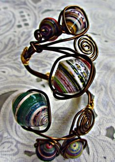 DIY:paper beads cuff tutorial
